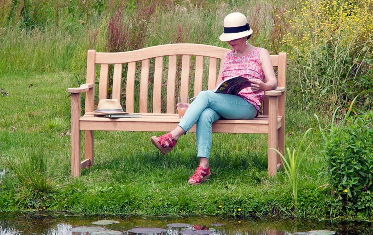 Alexander Rose Roble Turnberry Bench - 2 sizes