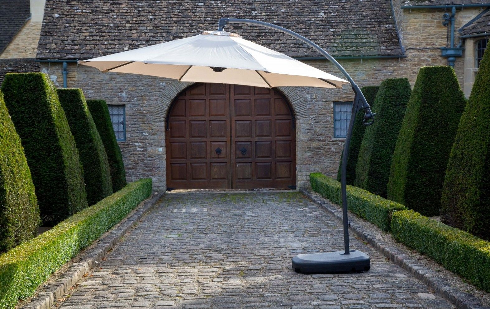 Bramblecrest Gloucester 3M Round Sand Parasol - includes FREE DELIVERY & FREE COVER