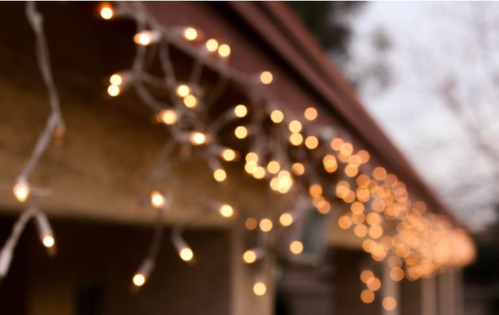 Snowfall White Connectable Icicle Christmas Lights, Indoor / Outdoor, 240 LED