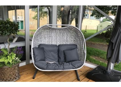 Monterey Double Cocoon with scatter cushions